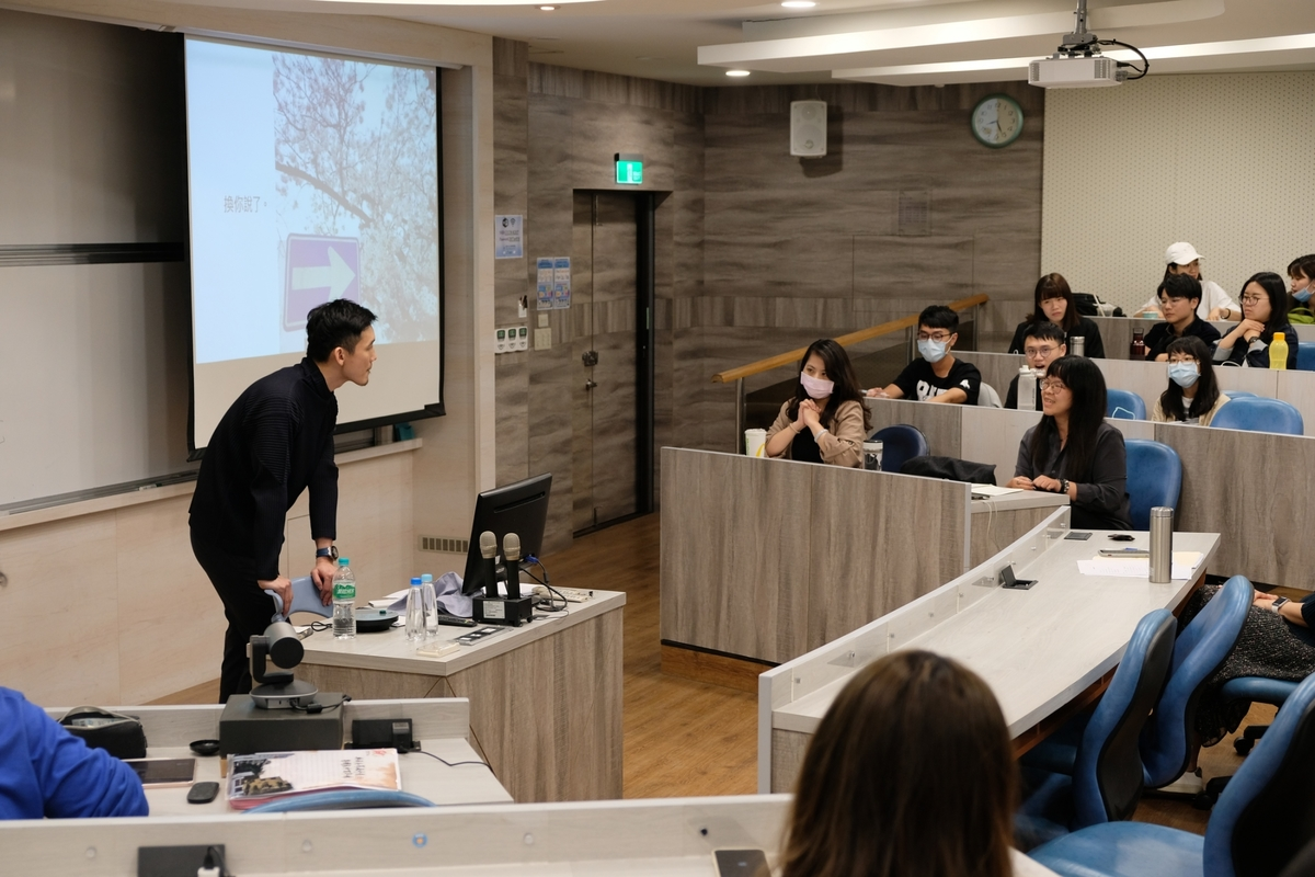 Alumnus shares tips for students wanting to pursue a career in Japan
